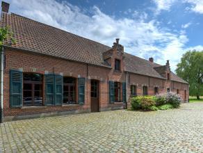 Deze authentieke hoeve is enig in zijn soort en uitzonderlijk rustig gelegen te Kessel op een exclusief terrein van 3 hectare en 55 are. De hoeve date