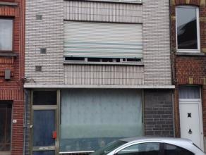 De ideale kans voor wie een nieuwbouwwoning wenst te Brakel centrum.  Deze woning heeft een heel solide basis van 100 jaar oud welke vrijwel volledi