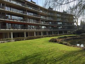 Zonnig en gezellig appartement in parkdomein Vijverhof met prachtig zicht op vijver! Op de eerste verdieping met vernieuwde lift ! Ruime inkom op park