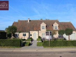 Prachtige villa in het rustige Kumtich met een goede bereikbaarheid naar zowel Tienen als Leuven. Deze villa beschikt over 5 slaapkamers (waarvan 1 op