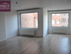 Ruim en rustig duplex-appartement gelegen in Leuven Centrum! Op het eerste en tweede verdiep vind je aangename leefruimtes in een gebouw met slechts 3