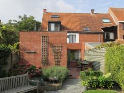 Ruime eengezinswoning (173m²) voorzien van vier slaapkamers en grote zonnige tuin. Parkeergelegenheid voor de woning (of mogelijkheid tot huren g