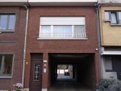 Volledig gemoderniseerd, goed onderhouden en instapklaar appartement nabij het centrum van Ekeren. 2 slaapkamers, badkamer, apart toilet, leefruimte,