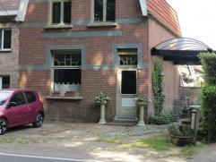Karaktervolle woning op ca 517m² voorzien van 3slk, gelegen aan een goede verbindingsweg, nabij het centrum van Wildert met station en winkels...