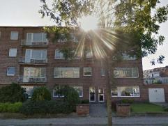 Zéér goed onderhouden appartement op de tweede verdieping. Woning is voorzien van 2 slaapkamers, badkamer met ligbad/douche, leefruimte,