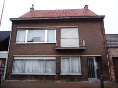 Appartement met 2 slaapkamers, ruime woonkamer, keuken, badkamer met ligbad en achtergelegen garage. Meer info via www.immodelaet.be.
