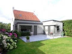 Charmante woning in cottage-stijl nabij centrum van St. Antonius-Zoersel, voorzien van een mooie tuin achteraan. Deze werd recent volledig gerenoveerd