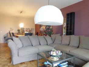 Licht appartement, gelegen in residentie Hertogenhof. Prachtig verzicht over de velden, door de grote schuifraam in de woonkamer. Woonkamer en slaapka