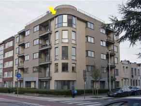 Modern, instapklaar appartement met 2 slaapkamers gelegen op de 4Â verd. van een recent gebouw met lift, vlakbij winkels, scholen en openbaar ve