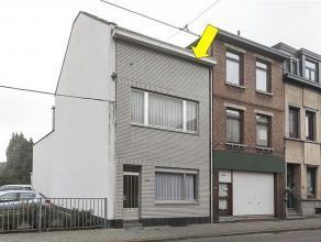 Woning geschikt als grote gezinswoning (4 slaapkamers) of opdeling in 2 appartementen (Glv - 1 slpk en 2Â/3Â verd. mt 3 slpks). Indeling g
