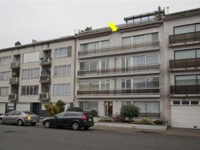 Zeer ruim (woonopp. 170 m²) appartement met 4 slaapkamers op de 3e verd. van een verzorgd gebouw nabij het Te Boelaerpark. Plaatsindeling: inkomh