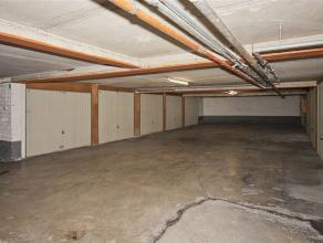 Garagebox gelegen in een ondergronds garagecomplex, standaard afmetingen.