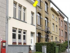 Charmante gerenoveerd woning centraal gelegen te Deurne-Zuid. De woning heeft nog tal van authentieke elementen die mooi tot z'n recht komen (deuren,