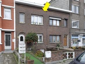 Goed verzorgde woning, gelegen nabij de toegangsweg Bisschoppenhoflaan en de oprit naar de autosnelweg (Sportpaleis). De woning omvat op het gelijkvlo