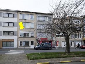 Gerenoveerd appartement op de 1e verdieping van een klein gebouw zonder lift, gelegen in het centrum van Deurne. Het appartement omvat een inkomhal, e