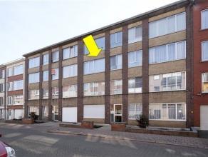 Eenvoudig appartement op de 2e verdieping van een verzorgd gebouw vlakbij het Boekenbergpark. Het appartement omvat een inkomhal met vestiairekast, ee