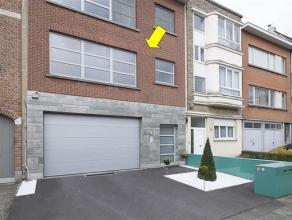 Luxe appartement gelegen 1e verdieping van een klein gebouw, rustig gelegen in een enkelrichtingstraat nabij Rivierenhof. Het appartement is volledig