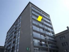 Degelijk appartement (110 m²) met 3 slaapkamers gelegen op de 5e verdieping van een goed onderhouden gebouw met lift, centraal gelegen te Deurne-