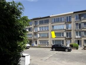 Zéér verzorgd appartement met grote tuin op de gelijkvloerse verdieping van een klein gebouw gelegen in een vrij rustige enkelrichtingss