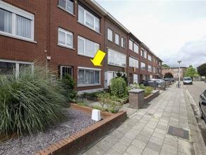 Gelijkvloersappartement met 2 slaapkamers en tuin gelegen in een klein gebouw met lage alg. kosten op de grens Borsbeek-Deurne. Het appartement omvat