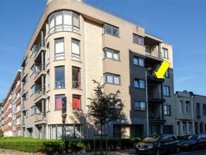 Instapklaar appartement met 2 slaapkamers gelegen op de 2° verd. van een recent en modern gebouw met lift, vlakbij winkels, scholen en openbaar ve