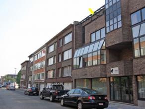 Recent appt met 2 slpks. op de 3e verdieping, rustig doch centraal gelegen te Borgerhout/grens Deurne vlakbij winkels, openbaar vervoer en oprit autos