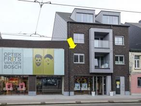 Nieuwbouwproject 'Deurne Dorp', Turnhoutsebaan 35-37. Klein gebouw (3 verd. ) met lift. Het appartement (ca. 65 m²) op de 1° verd. omvat een