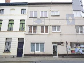 Instapklaar appartement te Ledeberg. Het appartement ligt aan de achterzijde van het gebouw. Het is dus niet zichtbaar langs de Ledebergstraat en heef