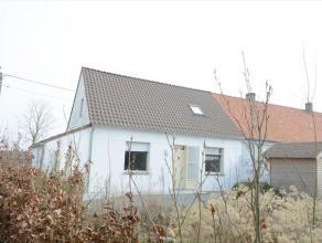 Deze woning is gelegen aan de voet ven de Vlaamse Ardennen, in het landelijke Zingem. Goede verbinding naar E17. Aangelegde tuin en terras. Indeling:
