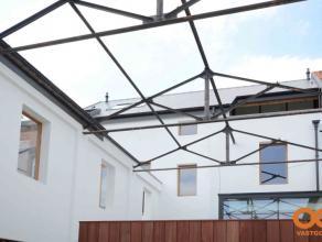 Dit dakappartement maakt deel uit een prachtig project ontworpen door Arch. Patrick Persoons. Unit C is een duplex dakappartement met privatieve inhan