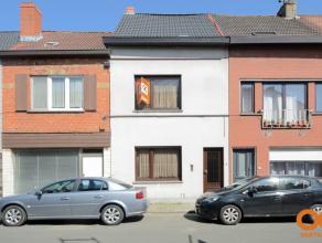 Toffe woning te centrum wondelgem, De bewoonbare vloeroppevlakte van de woning bedraagt 136,72 m². De woning bevat reeds dubbel glas, centrale ve