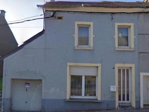 Bonne maison d'habitation composée au rez-de-chaussée d'un hall d'entrée, d'un séjour ouvert, d'une cuisine, d'une buander