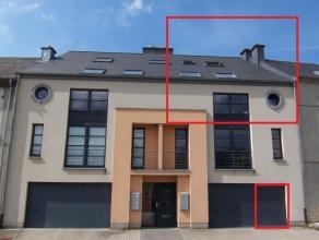 Très bel appartement duplex avec espace séjour et cuisine ouverte, 3 chambres, 1 sdb, garage, buanderie et accès au jardin commun