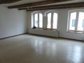 Charmant appartement qui se compose d'un séjour salle à manger, une cuisine , une salle de bain et deux chambresLoyer 650 eur. Charges i