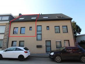 Duplex appartement met een bewoonbare oppervlakte van ca. 82m².<br /> Het appartement is gelegen op wandelafstand van het centrum van Landen en o