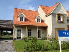 De Brammert - Fase 1  Nieuwbouwwoning LOT 9 met 4 slaapkamers, zolder, private tuin en eiken carport.  Troeven: - Normandische stijl  - Nabij wi