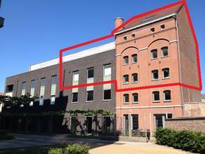 Troeven :<br /> - Loft-karakter! <br /> - Zeer hoge plafonds: speciaal effect! <br /> - Unieke indeling <br /> - Veel lichtinval  <br /> - Kelderbergi