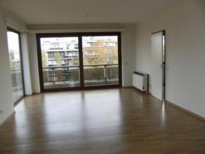 A proximité du quartier De Wand, un très bel appartement lumineux de 2 chambres à coucher, une cuisine super-équipé