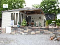 Un chalet caravane Living, cuisine équipée, 2 chambres, salle de bain, parking, terrasse
