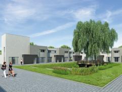 De boomgaardwoningen zijn gelegen rond het grootste plein van het project Binnenhof in Hoeselt. De woning op lot 13 is een halfopen bebouwing bestaand
