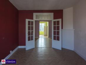 Appartement de 1 chambre sur +- 56m2 fort bien situé dans une rue calme et a proximité de toutes facilités et transports. Le bien