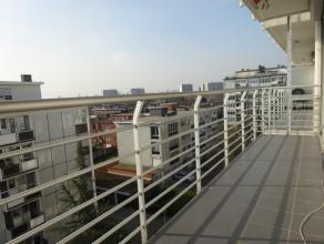 Ruim appartement (112m²) met 3 slaapkamers (ca. 14m², 7m² en 8m²) en 2 terrassen te huur op een zeer goede locatie! Locatie: nabij