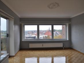 Goed geleden appartement op de vijfde verdieping. Dit appartement bestaat uit; inkomhal, badkamer, apart toilet, slaapkamer, leefruimte met terras en