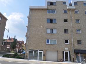 Zeer ruime moderne, gemeubelde studio te huur, vlakbij het Heilig Hartinstituut te Heverlee. Deze studio (46m²) op de vijfde verdieping is voorzi
