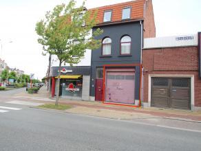 Uitstekend gelegen gelijkvloers magazijn/opslagplaats van 90m² in het centrum van Sint-Niklaas. De uitstekende ligging, de hoge automatische sect