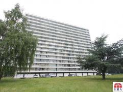 Gunstig gelegen 2-slaapkamerappartement met terras op de 2de verdieping te Sint-Niklaas. De goede ligging (rustig/dichtbij centrum/E17/N16/Waasland sh