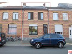Uitstekend gelegen, te renoveren starterswoning met 3 slaapkamers en stadstuin (perceel: 160m²) te Beveren. De vlotte verbinding naar N70/E17/cen