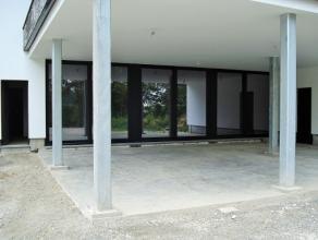 Perfect gelegen kantoorruimte of ruimte voor vrije beroepen van 119 m², gelegen aan de meest interessante invalsweg van Sint-Truiden, tegnenover