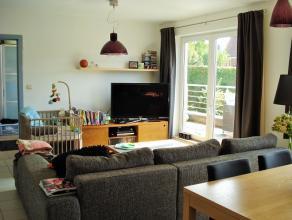 Zeer licht, trendy en jong appartement met 1 slaapkamer, grote living met open keuken en aansluitend een ruim, zonnig terras, badkamer met douche, apa