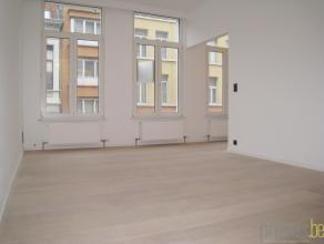 Volledig gerenoveerd appartement van ca 66m² met een vlotte bereikbaarheid. Het appartement is gelegen in de Broederminstraat, op wandelafstand v